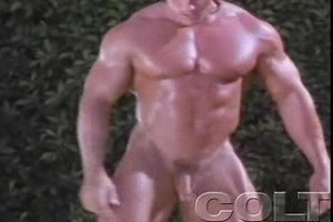 Hot, sexy, pumped & muscled gay man showing his body parts